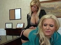 milf blonde store pupper bryster scene lesbisk fetish dildo