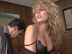 sjarmerende milf hvit i klær blonde babe sexy ass ansikt kontor