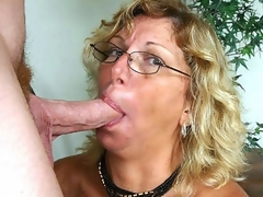 I've been chatting with horny older Alicia for sometime now when we finally decided that it was time to meet. After a quick call, this blonde granny was hurrying over to my place where that babe eagerly lapped up my pole and loved the hawt facial I gave her.
