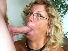 hardcore moden blonde store pupper blowjob bryster oral stor kuk deepthroat briller