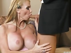 Breasty milf Taylor Wane with worthy deepthroat skills